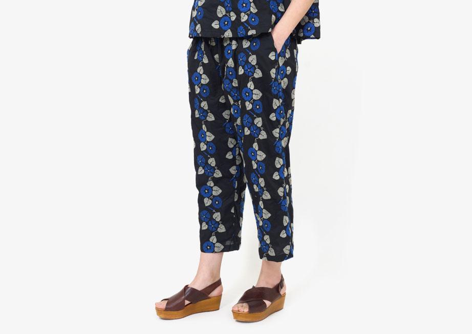 インポートファッションはネットショップで取り寄せるのが便利~パンツ・小物で雰囲気を変える~